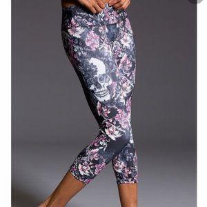 Onzie Skull Graphic Floral Leggings Pants Medium